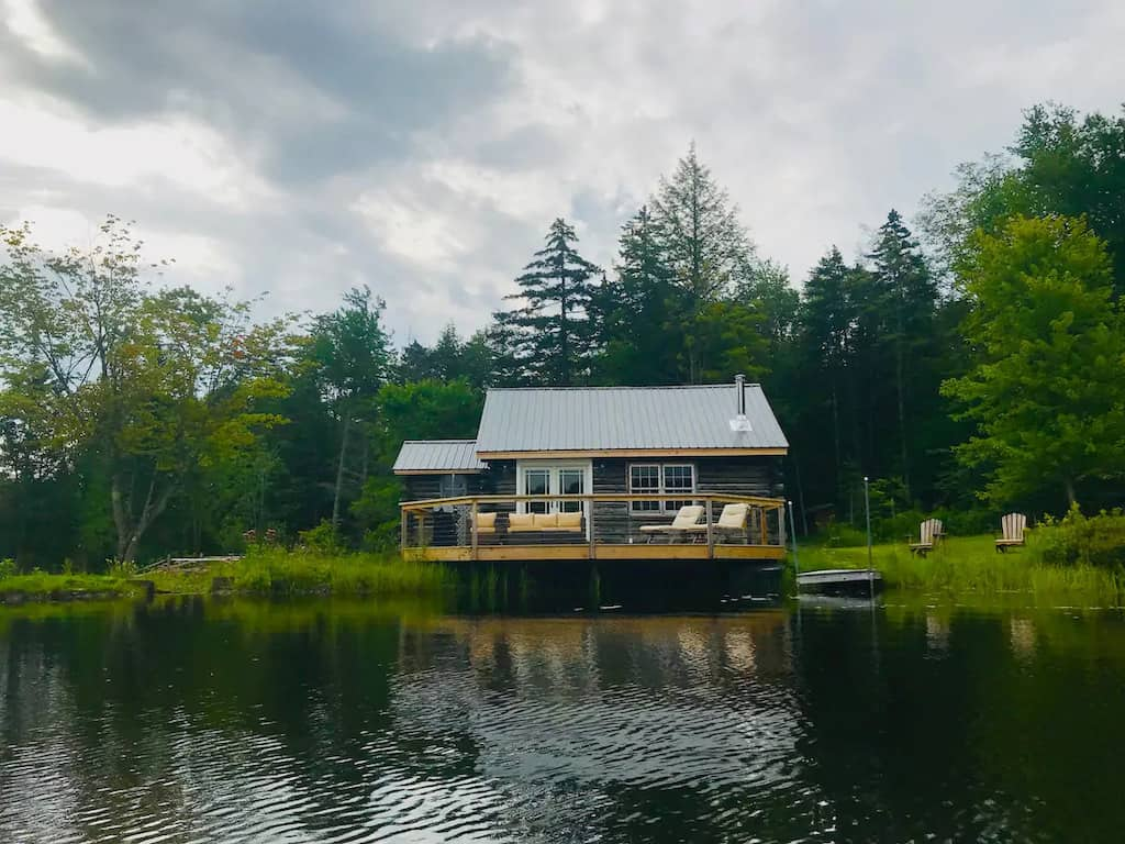 a pet friendly Vermont cabin on the the shores of a lake in Wolcott. Photo credit: Airbnb