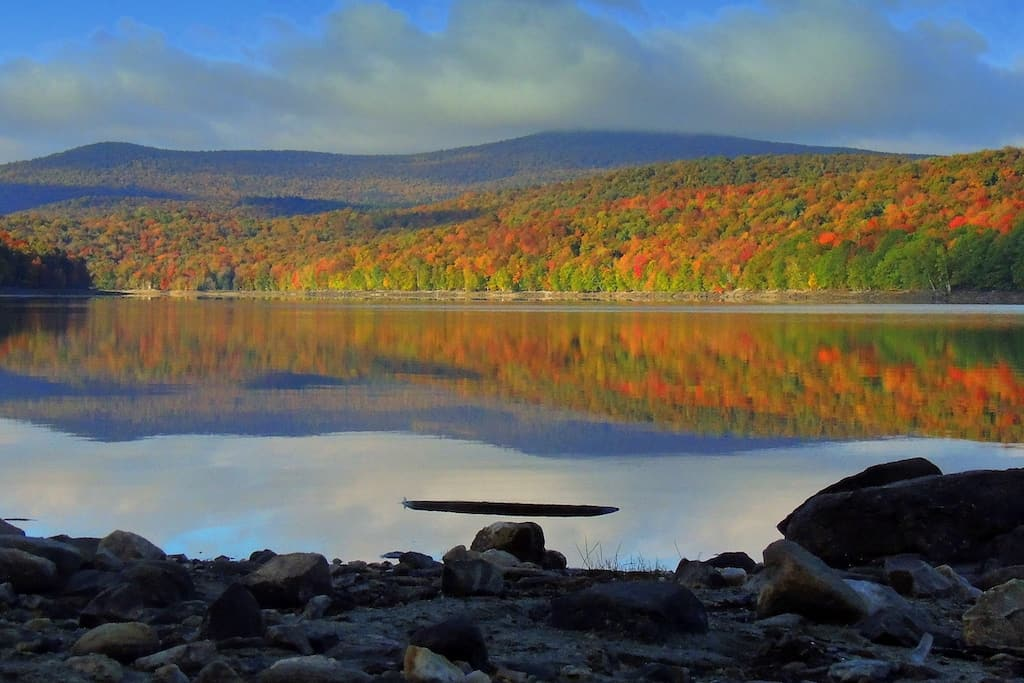 fall foliage on the shores of Lake Whitingham in Wilmington, Vermont