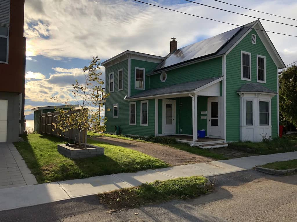 A Lake Champlain apartment rental in Burlington, Vermont. Photo source: VRBO.
