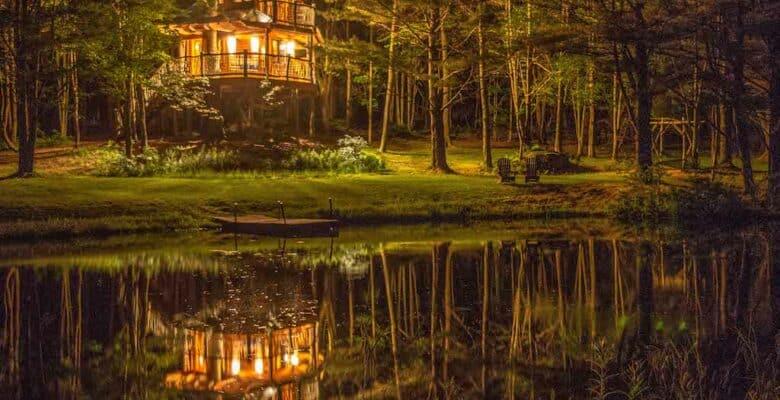 Moose Meadow Treehouse in Waterbury, Vermont
